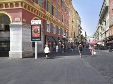 JCDecaux digitalisiert Stadtmöbel in Nizza